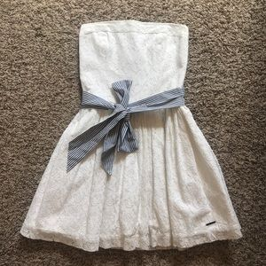 Abercrombie Fitch A & F strapless lace dress white